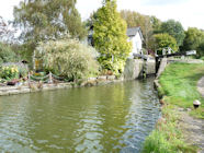 The Aylesbury Canal Arm at Black Jacks Lock looking beautiful in early Autumn.